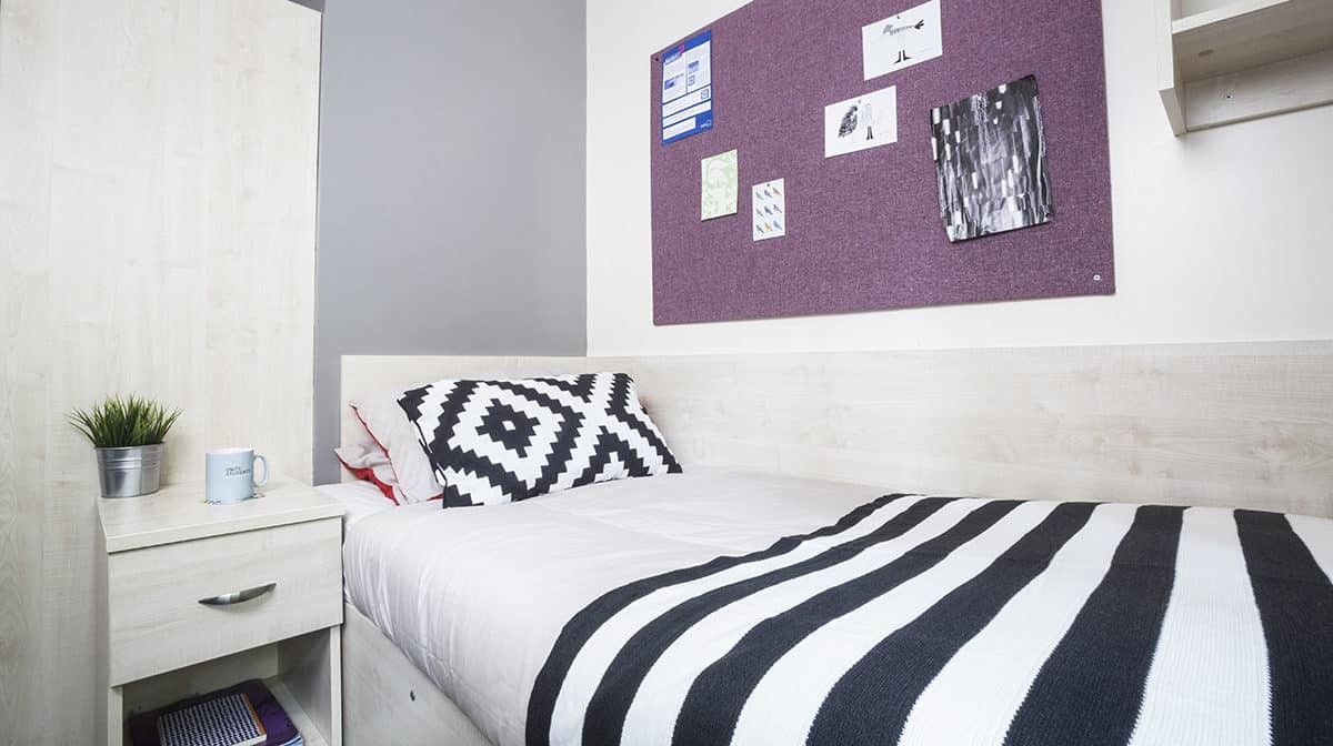 Seven Sisters Residence Accommodation - Bedroom
