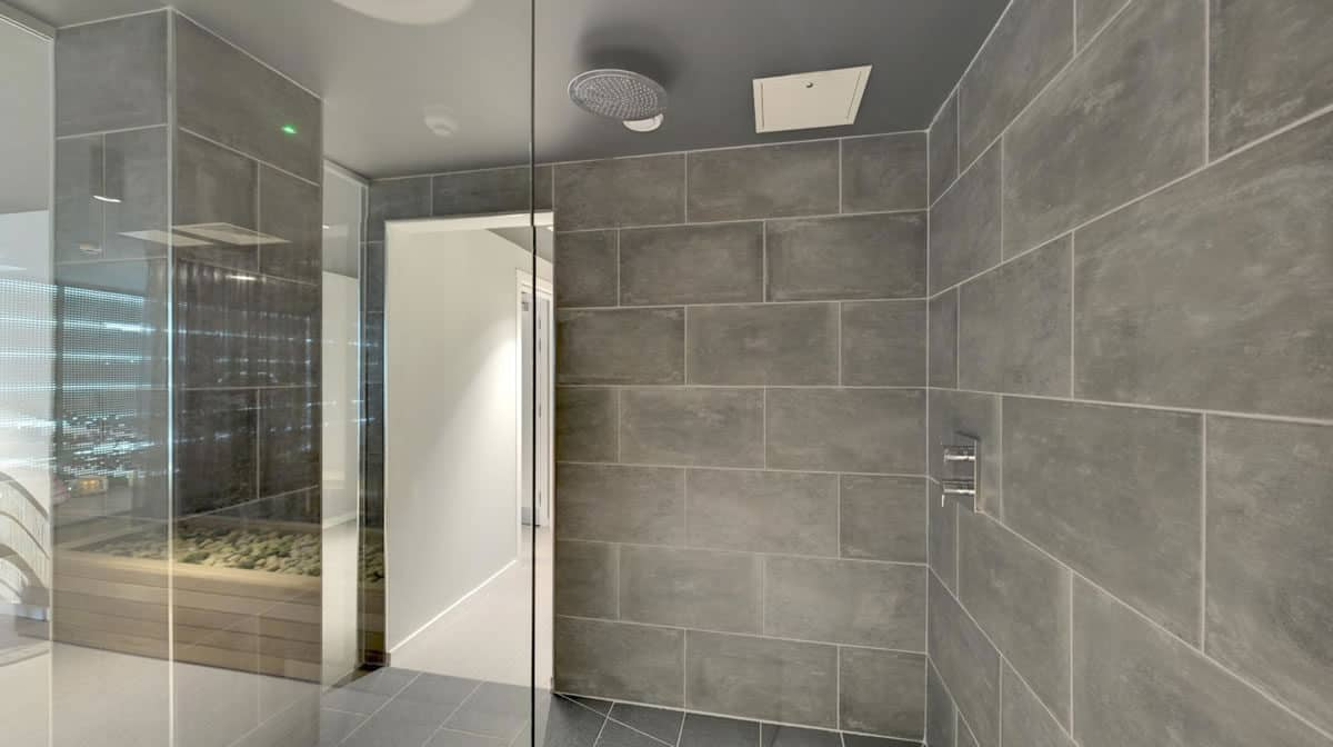 Regent's Canal Residence Accommodation - Shower