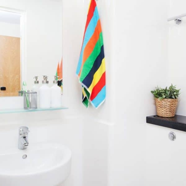 Glasgow Residence Accommodation - Bathroom