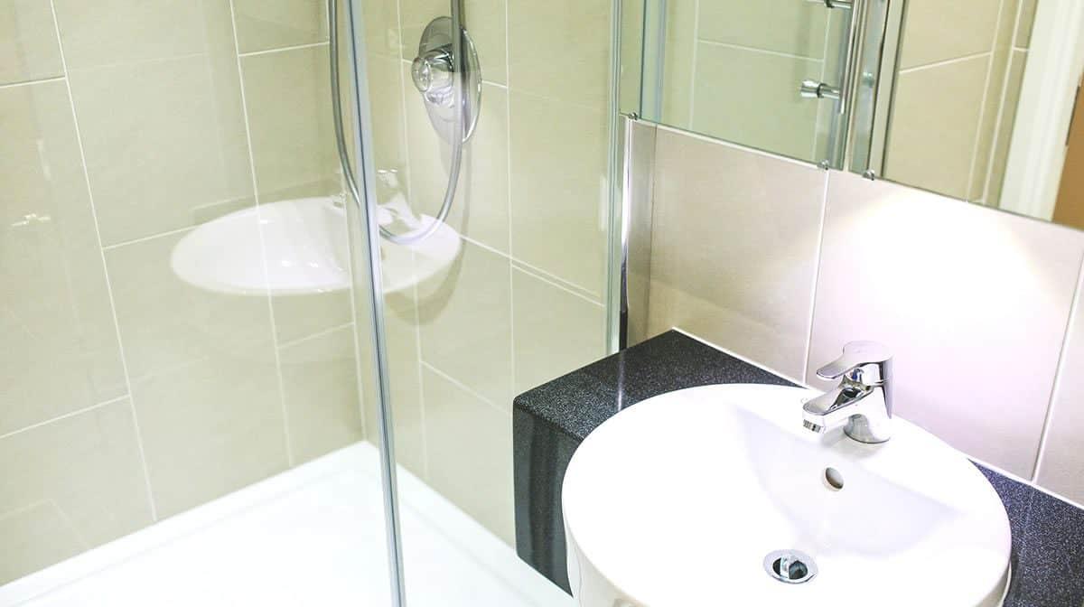 Tower Bridge Residence Accommodation - Bathroom