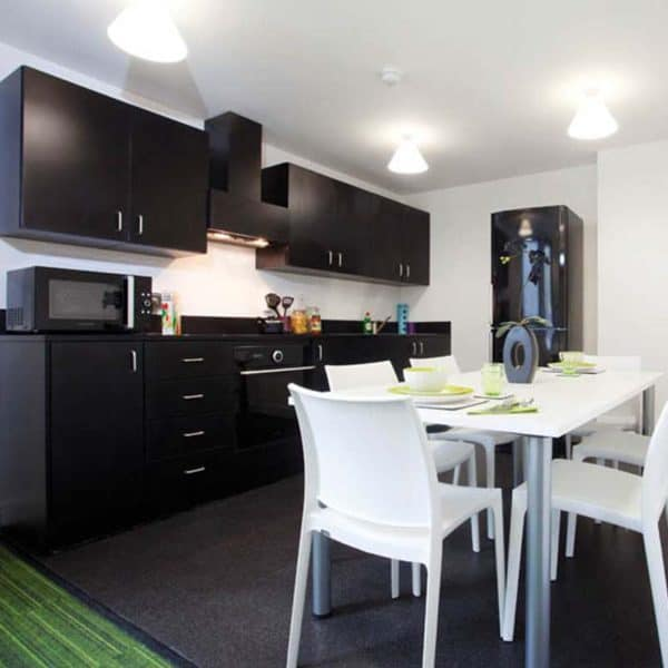 Aldgate Residence Accommodation - Cluster Kitchen