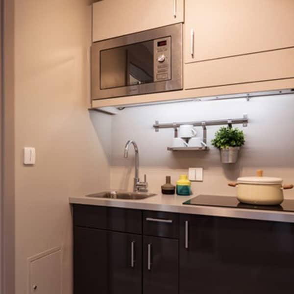 Regent's Canal residence accommodation - Kitchen