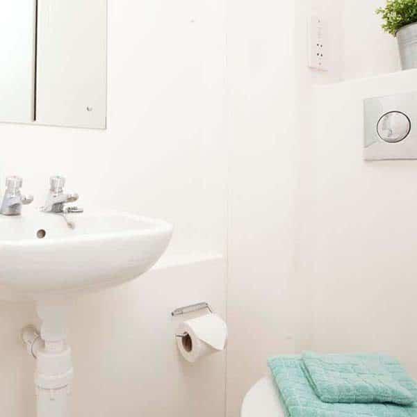 Islington Residence Accommodation - Classic Studio Bathroom