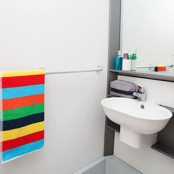 Tottenham Residence Accommodation - Bathroom