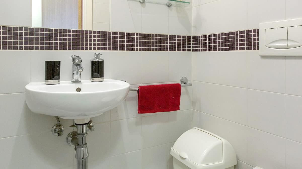 Camden Lock Residence Accommodation - Luxe Studio Bathroom