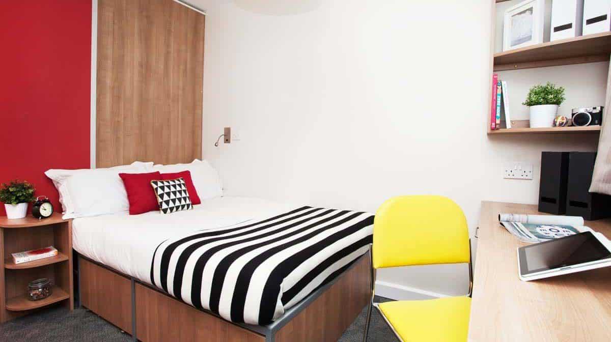 Tottenham Hale Residence - Bedroom