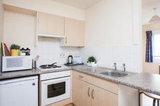 Glasgow Residence Accommodation - Kitchen