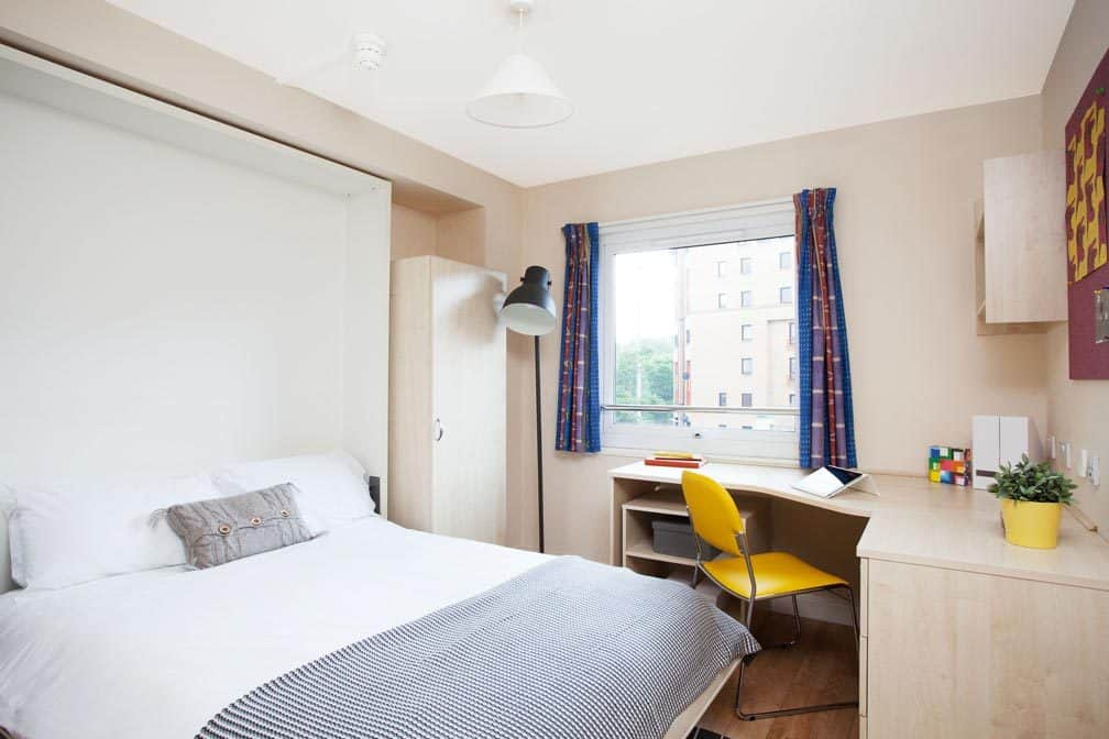 Glasgow Residence Accommodation - Bedroom
