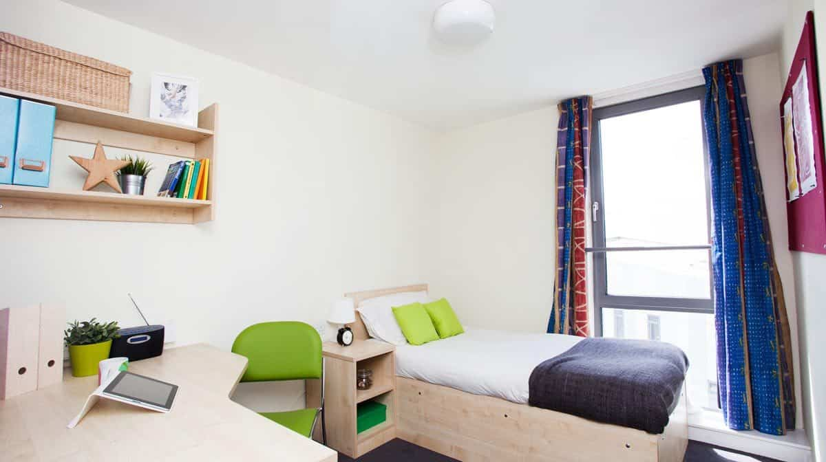 Manchester Parkway Gate Residence Accommodation - Bedroom