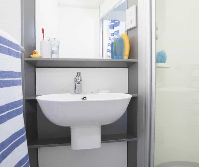 Stepney Green Pacific Court residence accommodation - Studio Bathroom