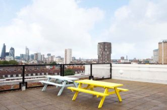 Shadwell Quantum Court residence accommodation - Courtyard