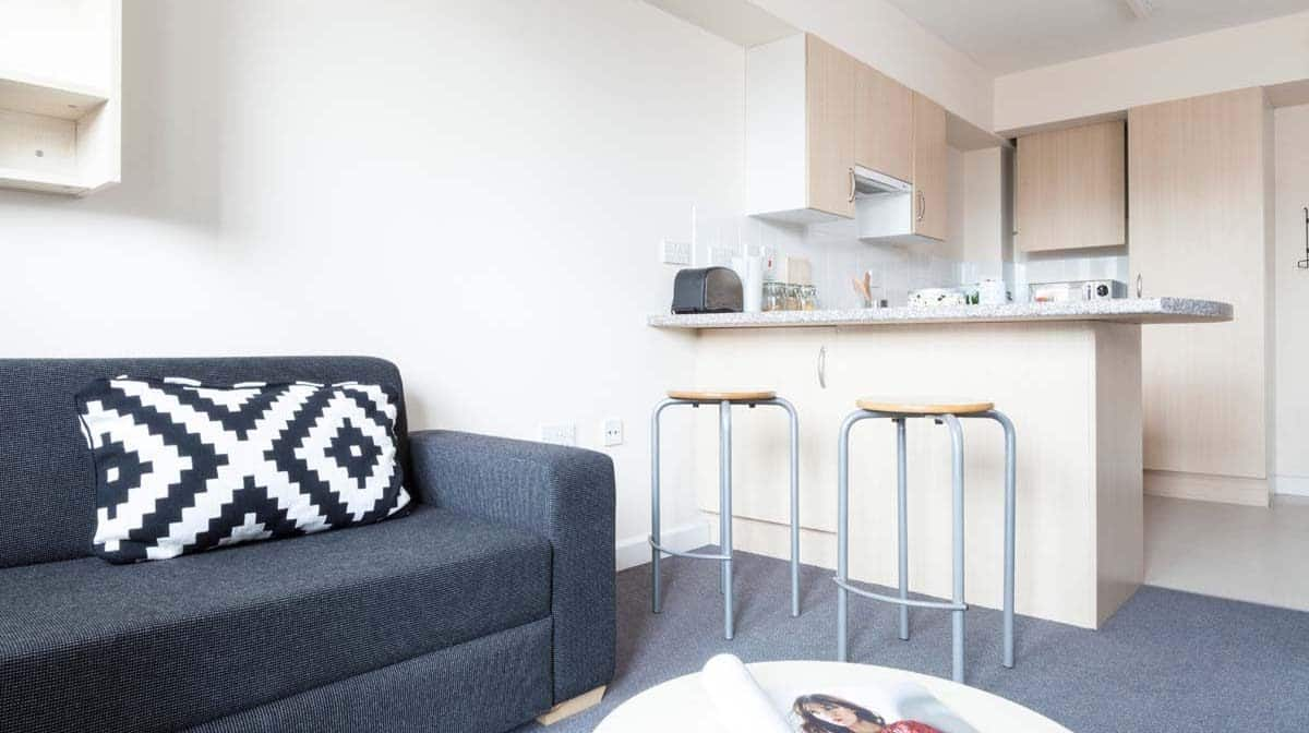 Shadwell Quantum Court residence accommodation - Kitchen