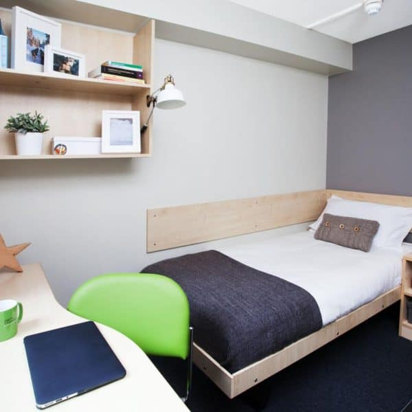 Liverpool Cambridge Court Residence Accommodation - Bedroom