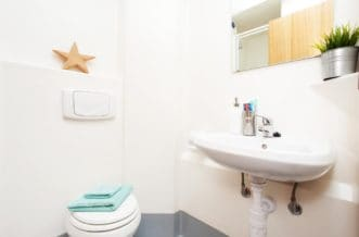 Sheffield Central Quay Residence Accommodation - Bathroom