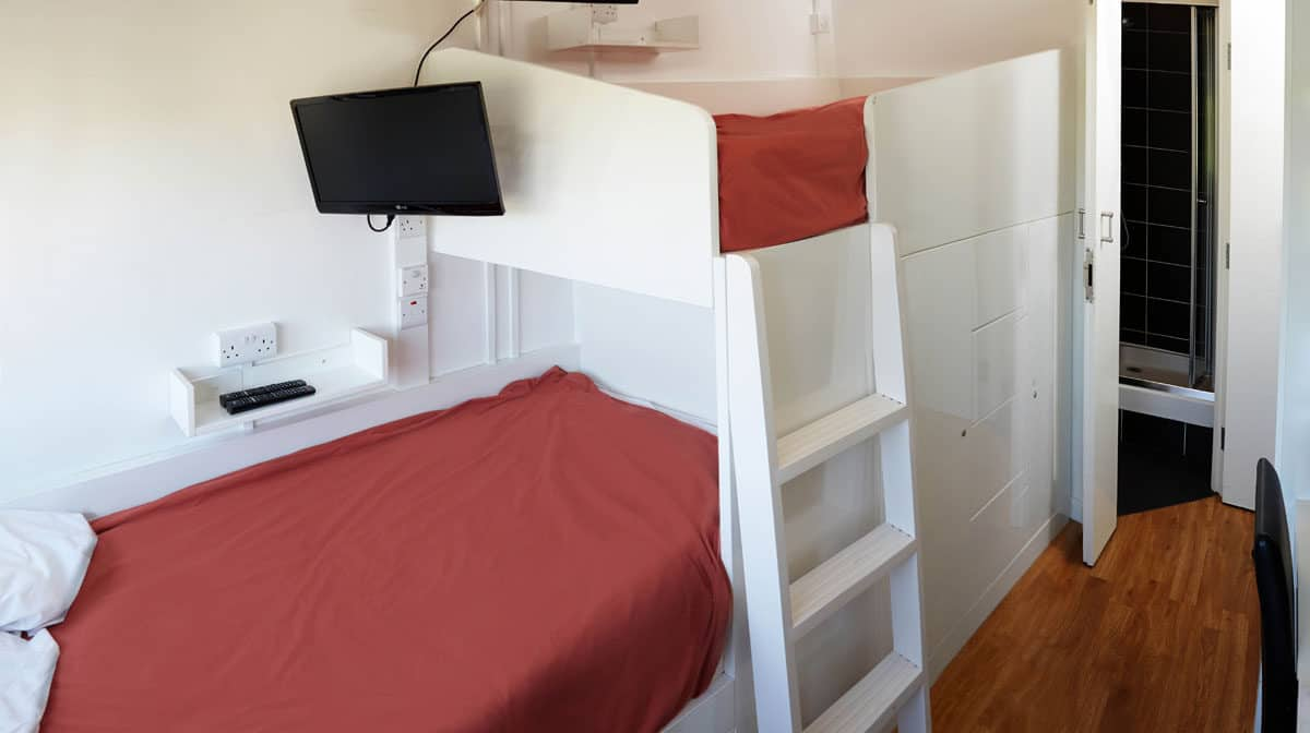 Chelsea Residence Accommodation - Twin En-Suite Bedroom