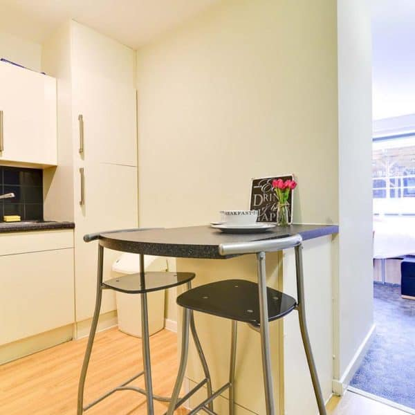 Kentish Town residence accommodation - Classic Studio Kitchen