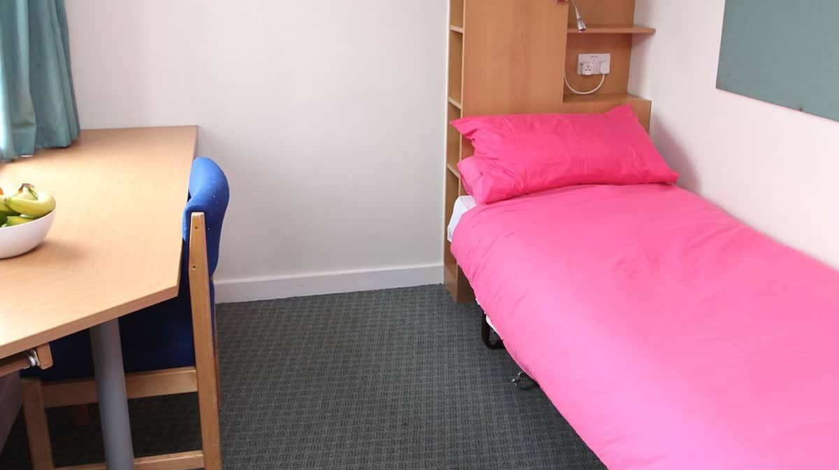 Waterloo Southwark residence accommodation - Single En Suite Bedroom