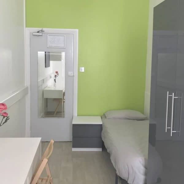 Hyde Park residence accommodation - Single Room